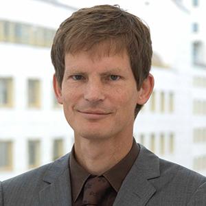 Dr. Carsten